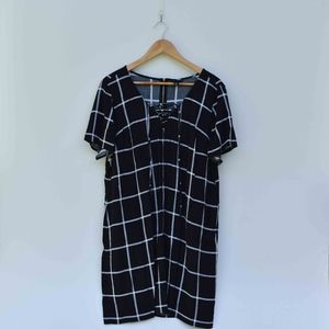 Torrid Black & White Short Sleeve Shirt Dress